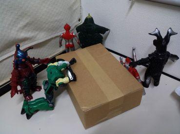 怪獣のおもちゃはこういう遊び方もある